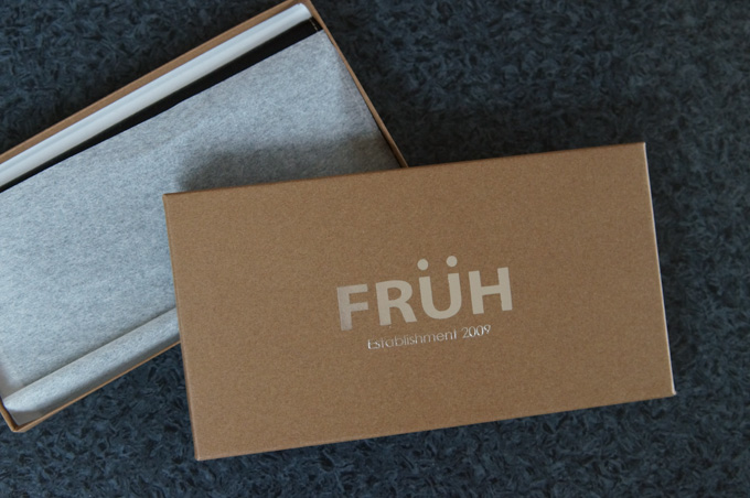 FRUH 薄い長財布 箱