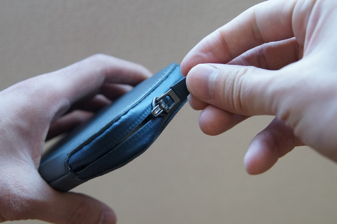 ELEMENTS PHONE POCKET ジッパー