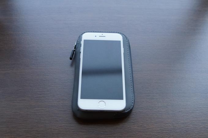 ELEMENTS PHONE POCKET 比較