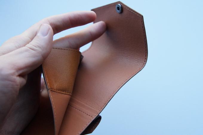 小さい財布abrAsus 内装