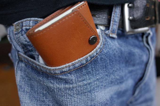 abrAsus小さい財布 ジーンズの前ポケット