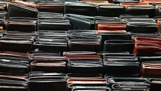 徹底比較。二つ折りと長財布の違いと、どちらが良いのか? デメリットを改善した財布の紹介