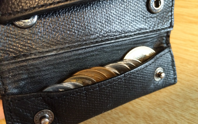 abrAsus薄い財布 コインポケット