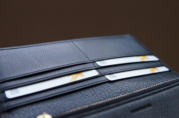 マルティーニ・オーモンドウォレット カードポケット1