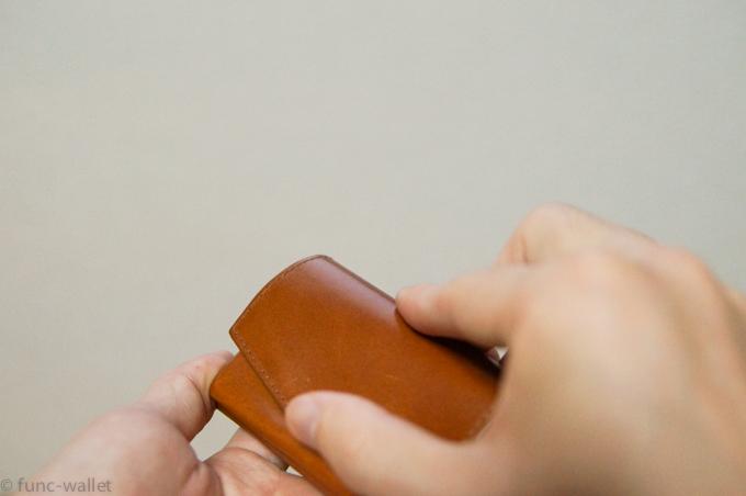 小さい財布abrAsus オープン