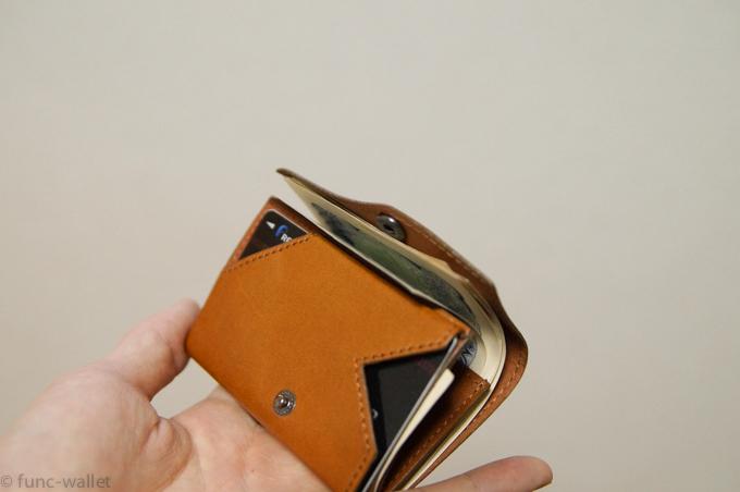 小さい財布abrAsus 開く様子