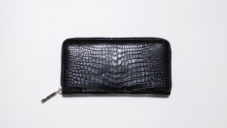 革芸人のラウンドファスナーWT-058。クロコセンターの美しいラウンドファスナー財布を紹介