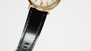 腕時計のコードバンベルト。特徴やメリット・デメリットにせまる