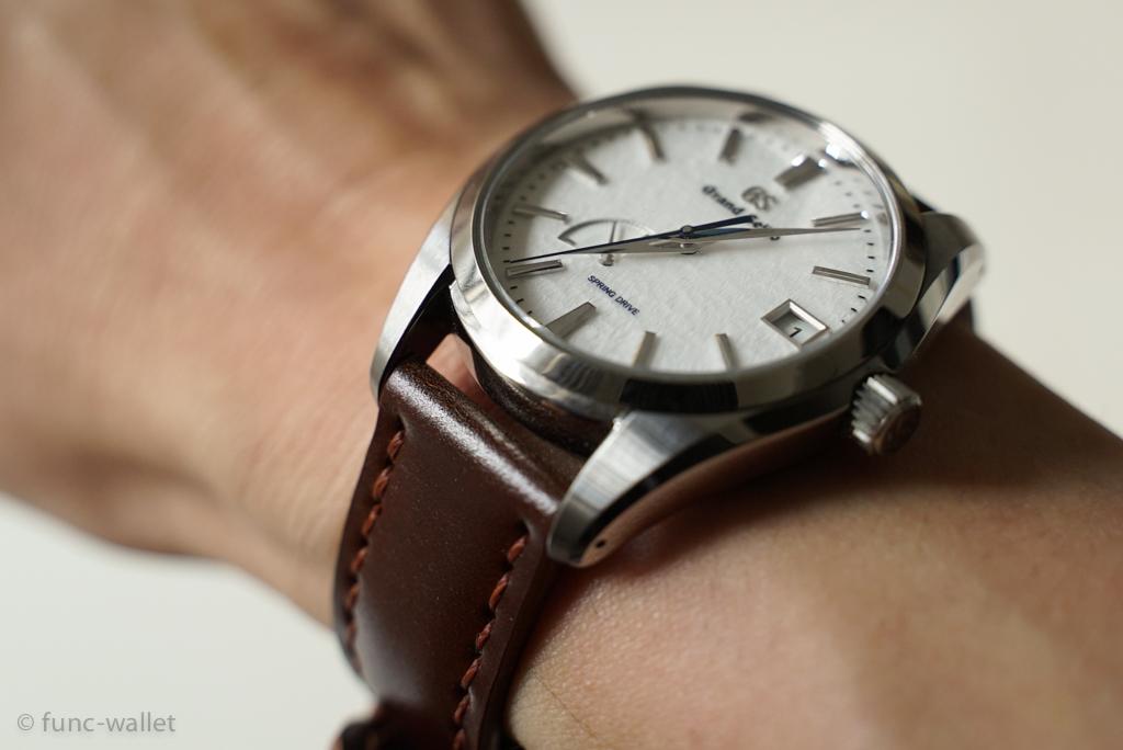 buy popular ce158 55ab9 腕時計の革ベルトとはなにか。金属ベルトとの違い、メリット ...