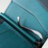リュテス mcw-01のレビュー。ミネルバとプエブロを贅沢に使った、マネークリップ型のスリムな財布。使い勝手や特徴に迫る