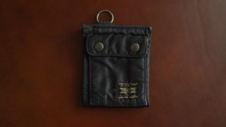 ポーター タンカー 二つ折り財布のレビュー。10年以上愛用している旅行にも最適な財布