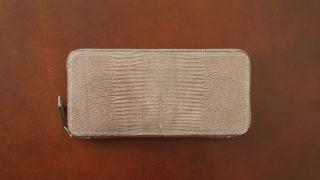 Crevaleathco リザード ラウンドジップ長財布のレビュー。トップクラスの技術で作られたラウンドファスナー長財布の使い勝手と特徴について
