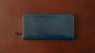 Crevaleathco アニリンコードバン ラウンドジップ財布のレビュー。レーデルオガワの透明感あるコードバンを最大限に楽しめる財布